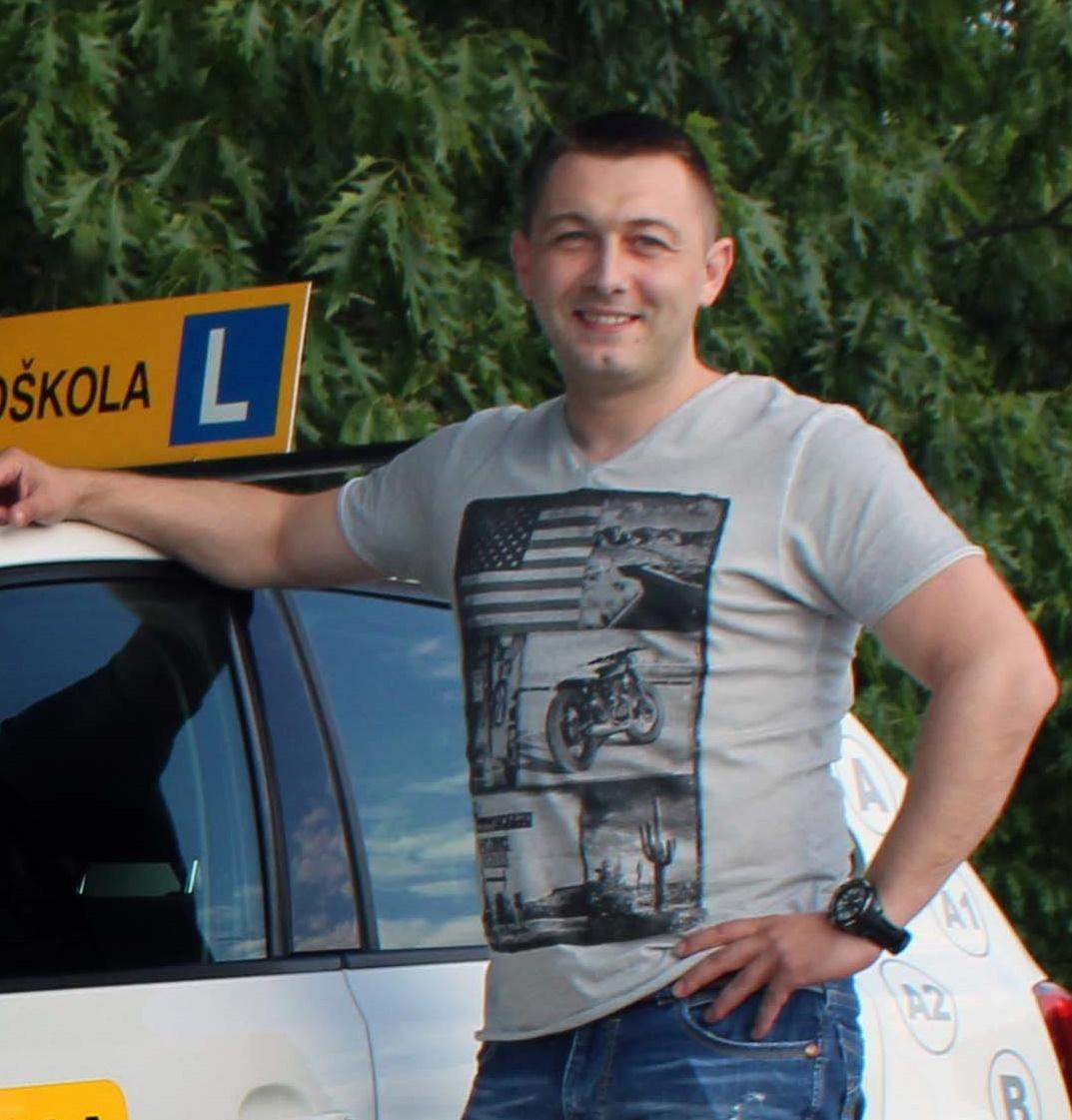 Instruktor Slaven Polović
